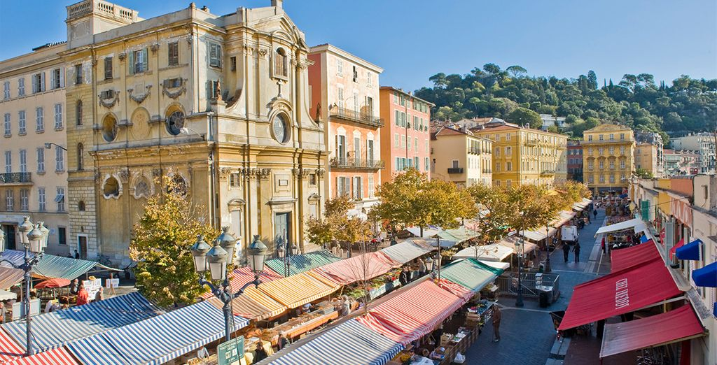 Visit the restaurants, boutiques and markets of the Cours Saleya