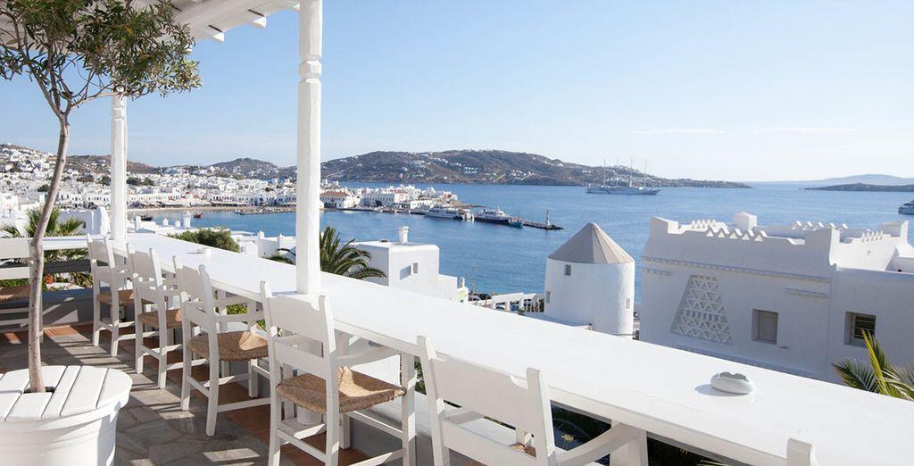 A quintessential Greek hotel overlooking the bay - Porto Mykonos 4* Mykonos