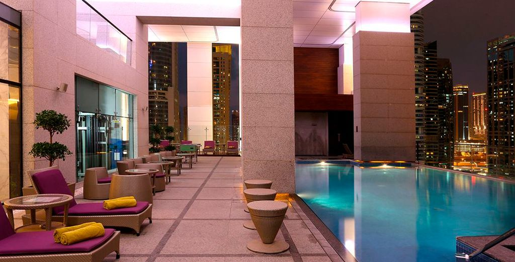 Spend an unforgetable holiday in the thriving city of Dubai