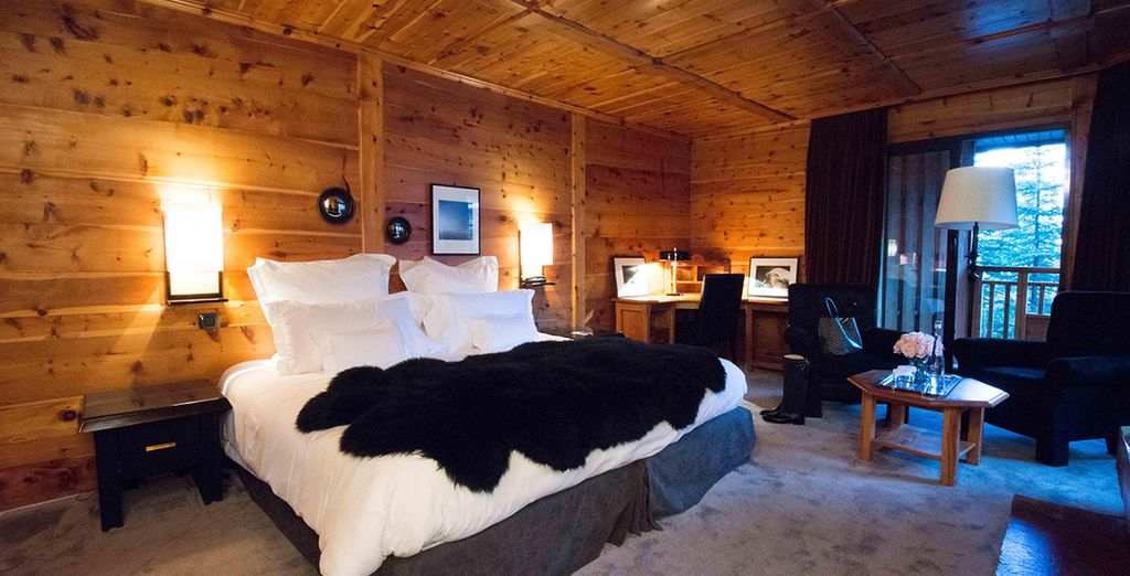 Sleep in an Authentique Room with rustic design