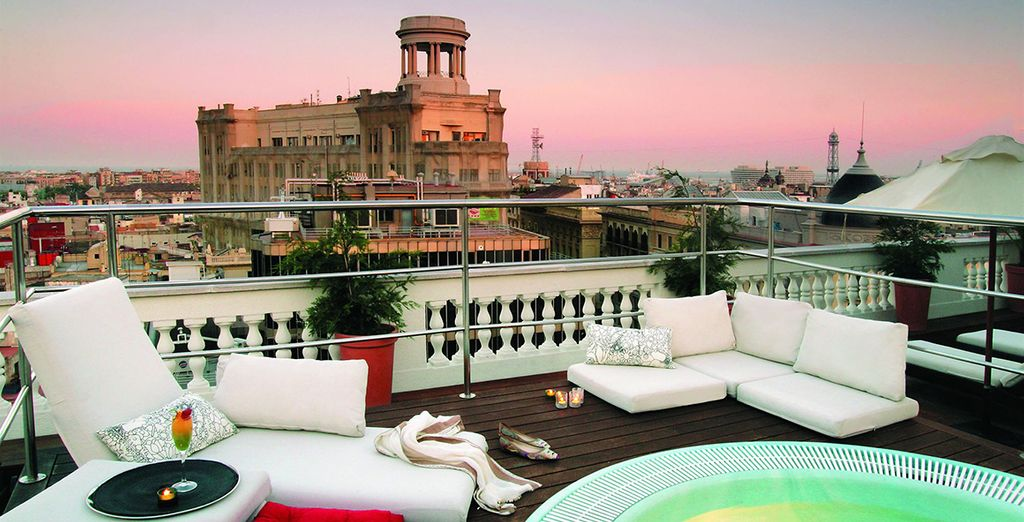 Spectacular rooftop views of the city of Barcelona - H10 Montcada Boutique Hotel 4* Barcelona