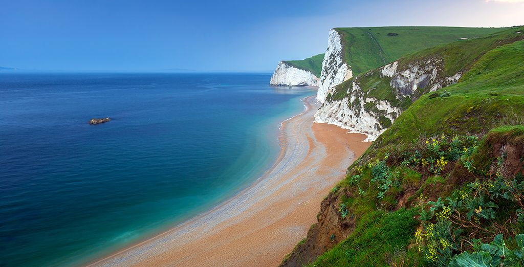Lose yourself in the wonders of the Jurassic coast