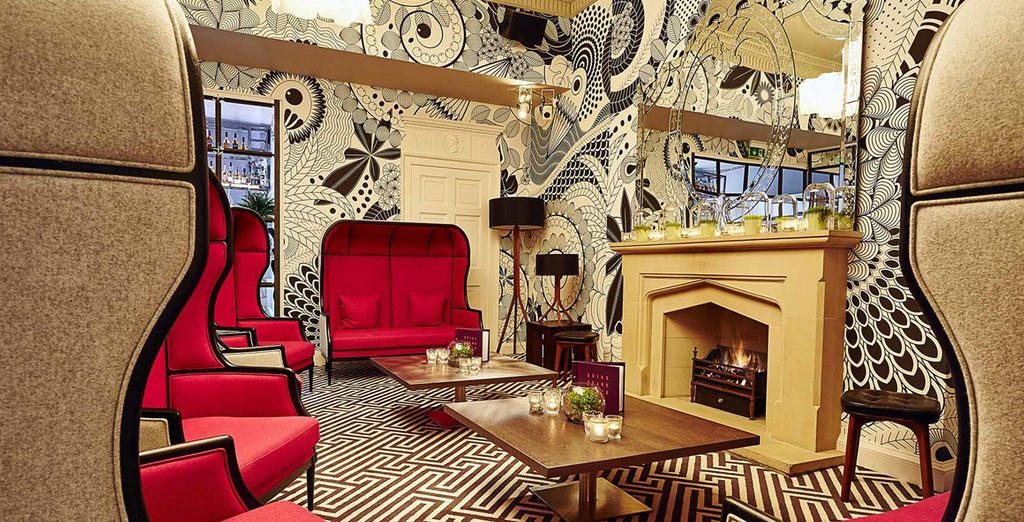 Behind the elegant Georgian Facade of Edinburgh's old town you'll find the daringly designed Tigerlily 4*