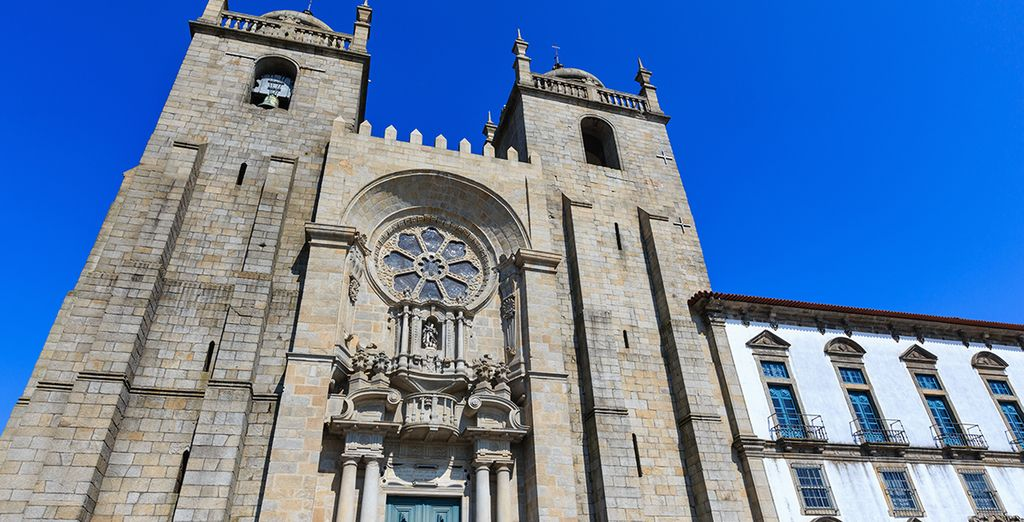Marvel at the Porto Cathedral