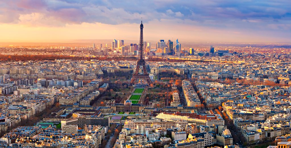 Discover the iconic city of Paris