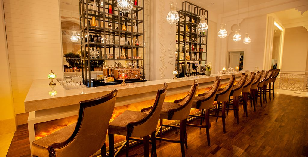 Relax with a drink in any of the 6 chic bars