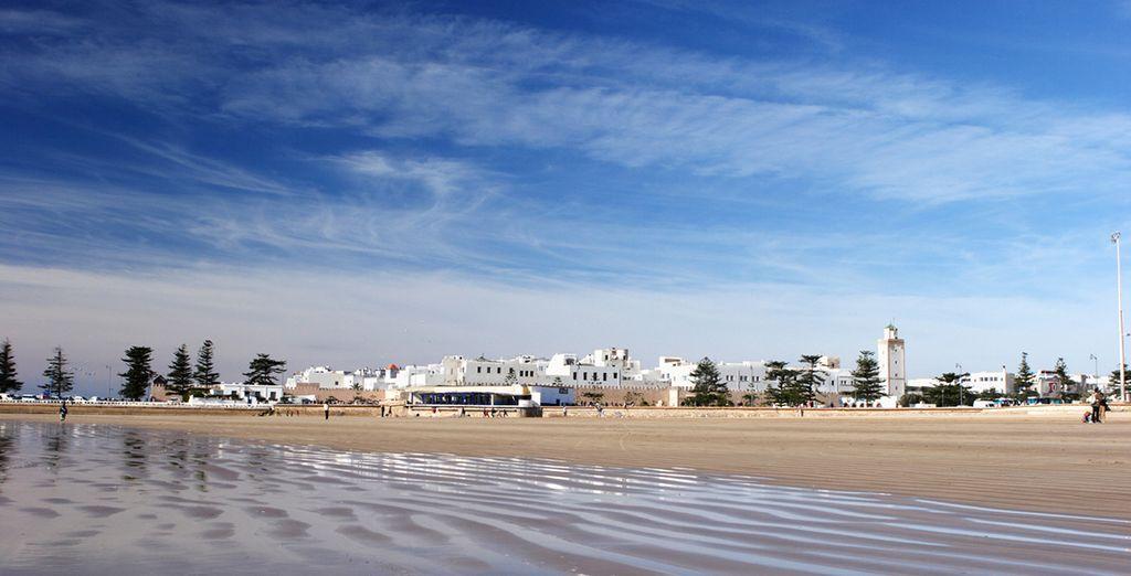 To take a romantic stroll along the beach