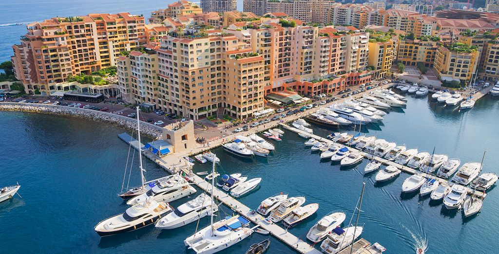 You're just 20 minutes drive from glamorous Monaco