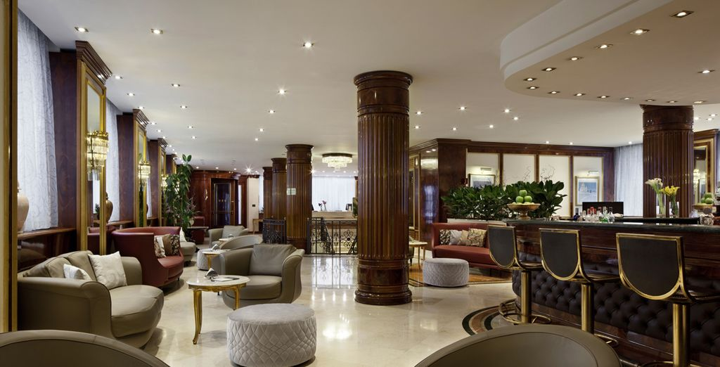 After sightseeing enjoy an aperitif at the hotel bar
