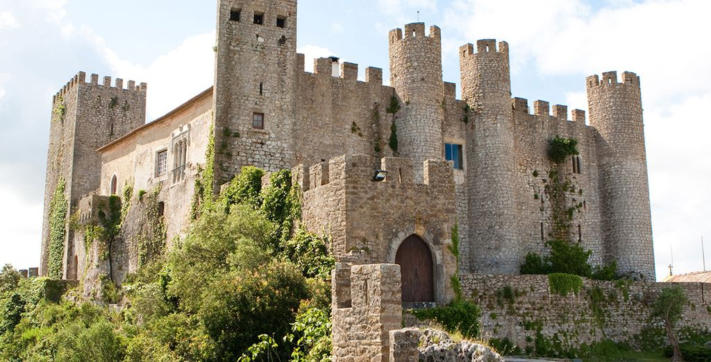 Do not forget to make a detour to the castle of Obidos ...