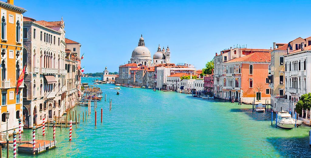 Elegance by the grand canal