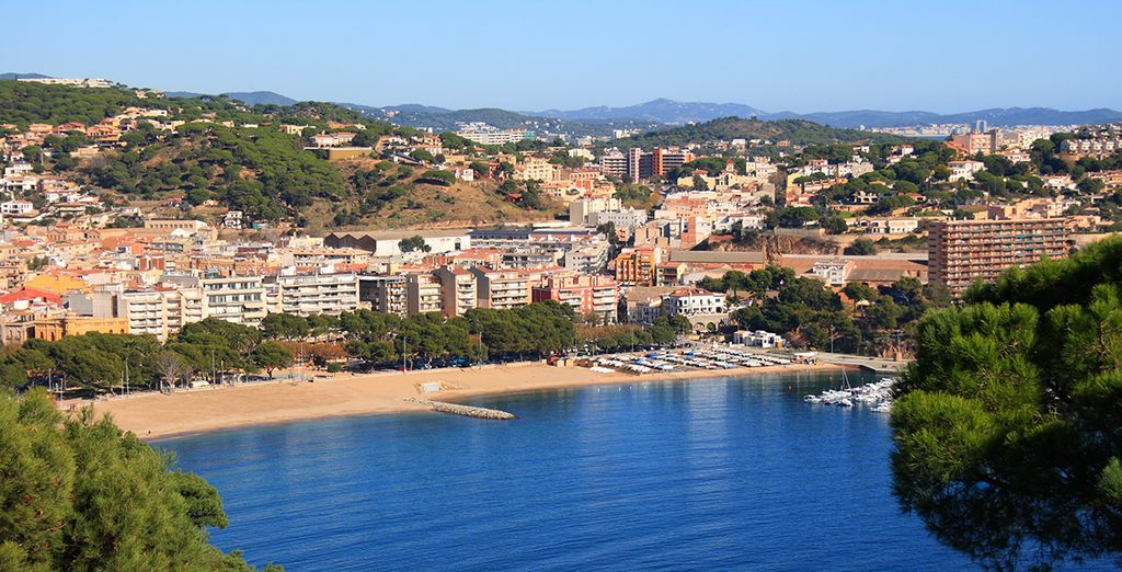 Your hotel is five minutes walk from the centre of Sant Feliu de Guixols - Hipocrates Curhotel 4* Girona