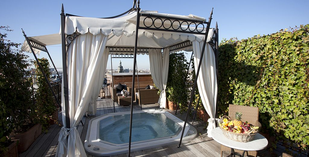 Or in warmer months soak up some sunshine in the outdoor Jacuzzi