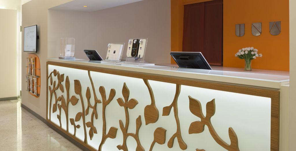 Enter the doors of the hotel Una Mediterraneo 4 * - UNA Hotel Mediterraneo 4* Milan