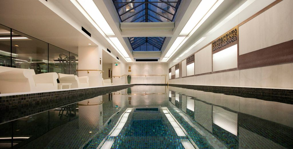 Discover this superb pool - Town Hall Hotel & Apartments 5* London