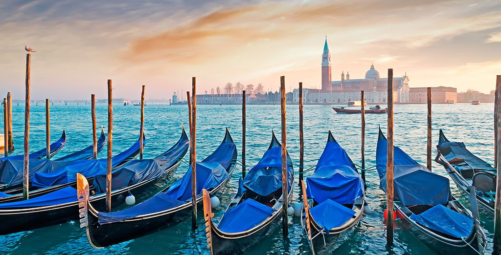 Admire views of Venice Lagoon - Hotel Savoia & Jolanda 4* Venice