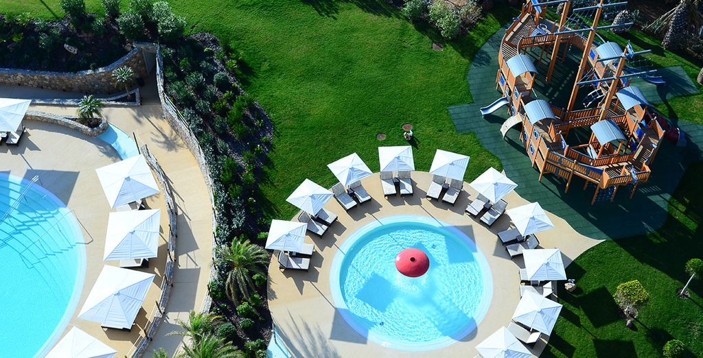 Take a dip in the outdoor swimming pool ... - Crowne Plaza Vilamoura 5* Faro