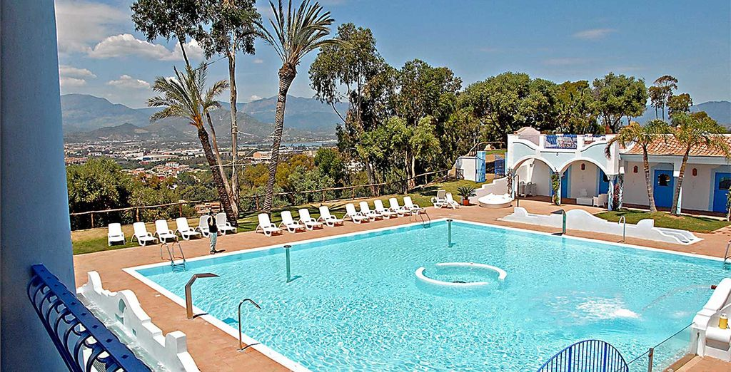 Or head to the larger pool at Arbatrax Park Resort, just 250 metres away