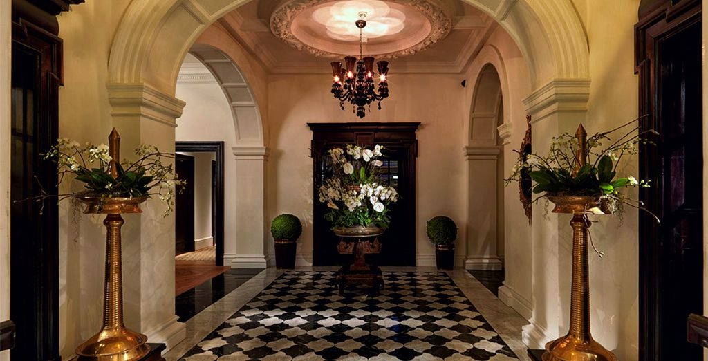The Lalit 5 * London opens its doors!
