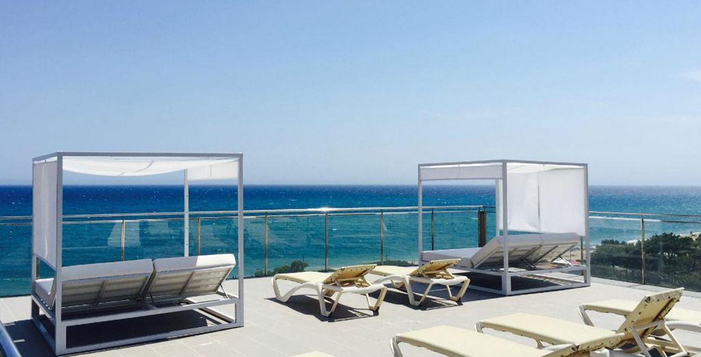 Hotel Europa Splash is right on the beach