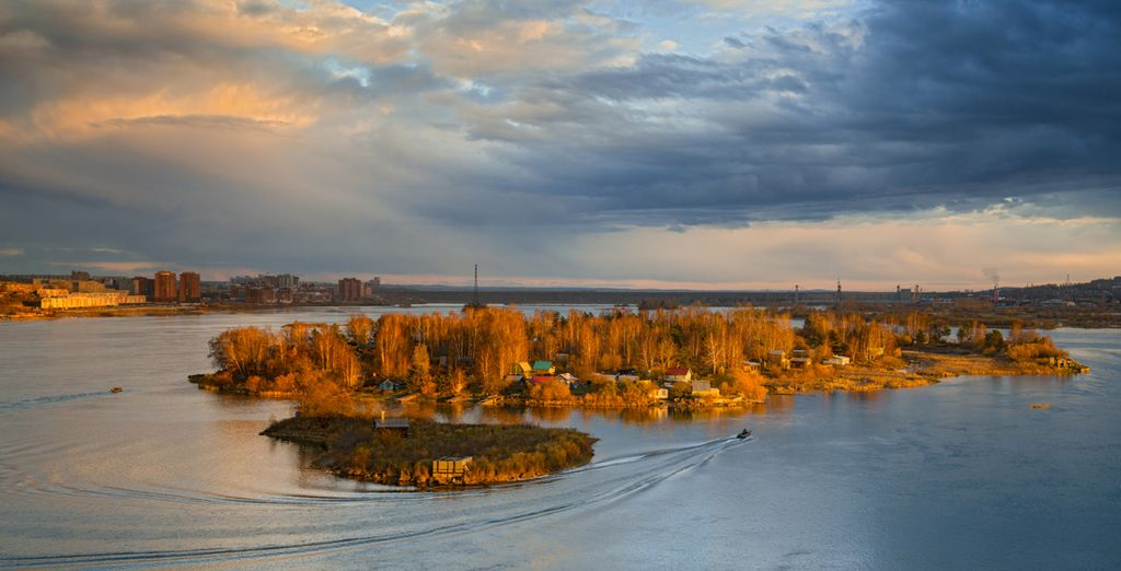 Which lies on the legendary Angara River