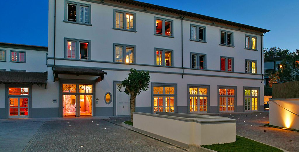 True to the area, this hotel celebrates the artistic spirit that made Florence