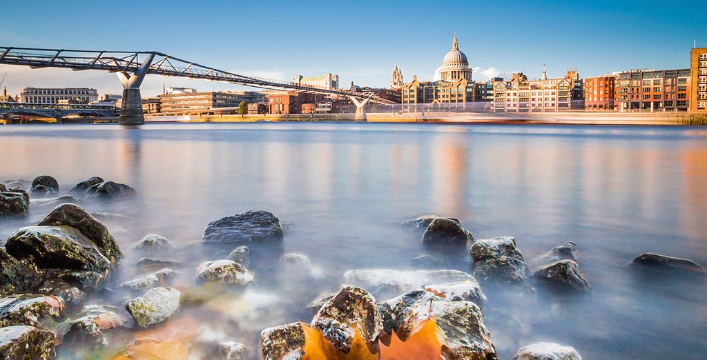 Along the river you can visit places like Tate Modern and the Globe Theatre