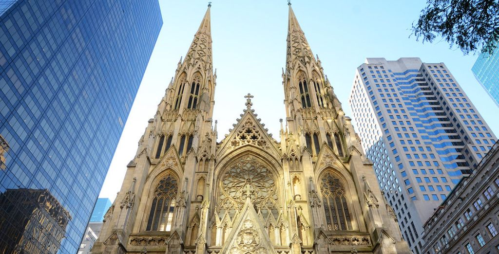 Just steps away from iconci sights such as St Patrick's Cathedral