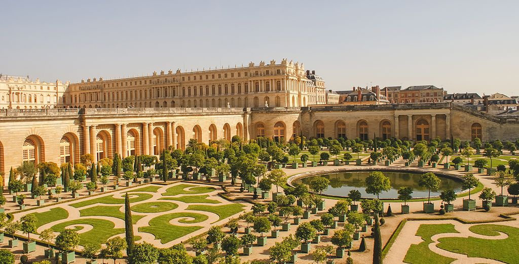 Discover a world of history and glamour