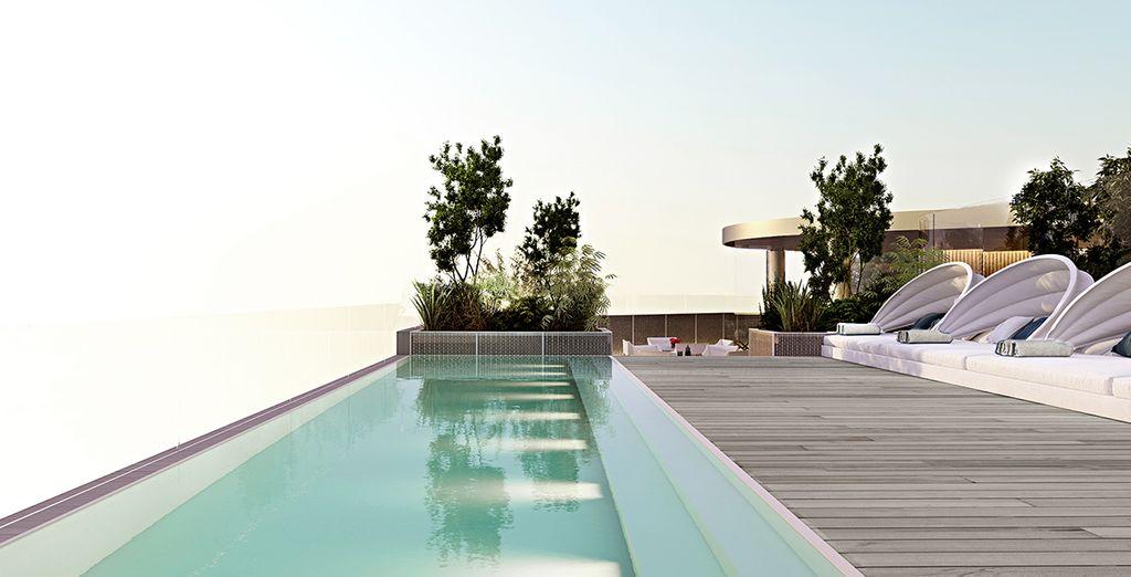 A rooftop plunge pool (seasonal)