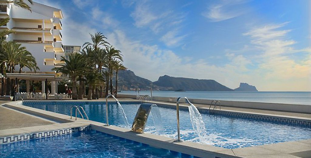 With water jets, waterfall and stunning views of Costa Blanca
