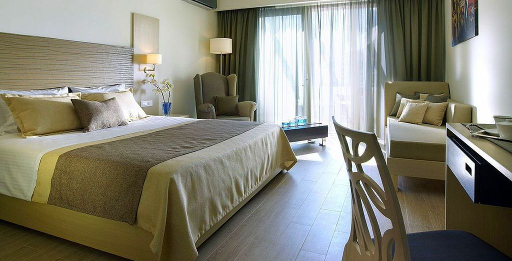 Enjoy your nights in a Superior Double Room with Mountain View