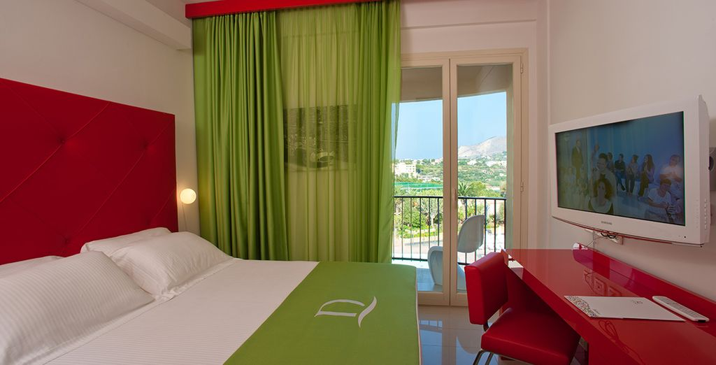 Or your may upgrade to the Prestige Sea View Room