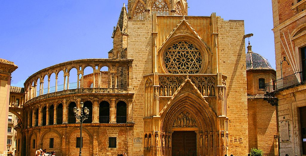 Valencia holidays offers