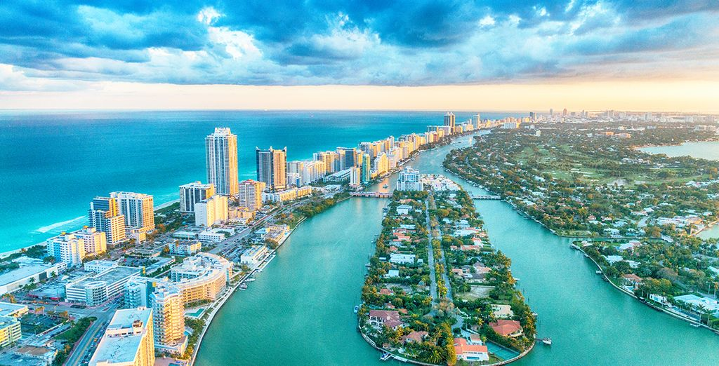 Experience the glamorous city of Miami with Voyage Privé