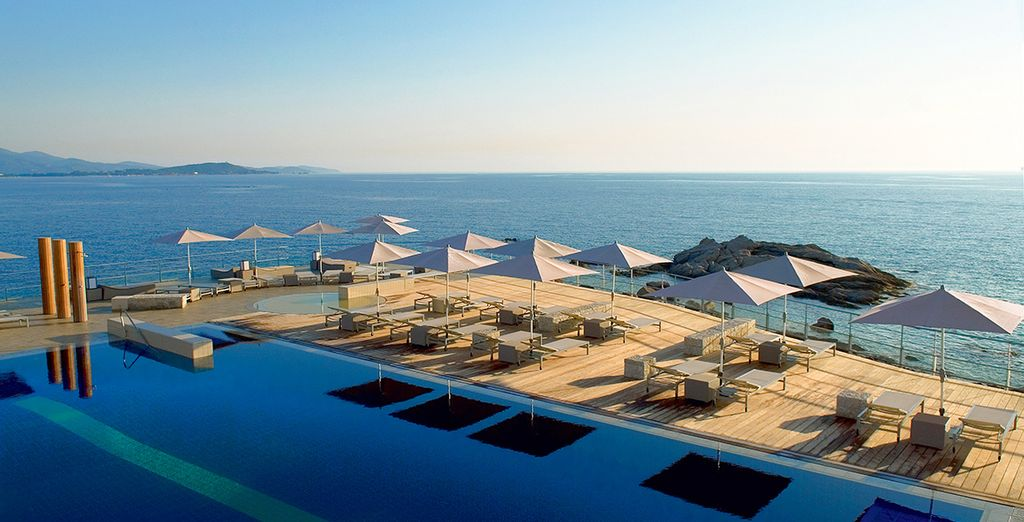 Hotels 4/5* in Corsica for sun holidays
