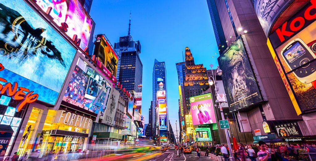 Besuchen Sie den emblematischen Platz: Times Square.