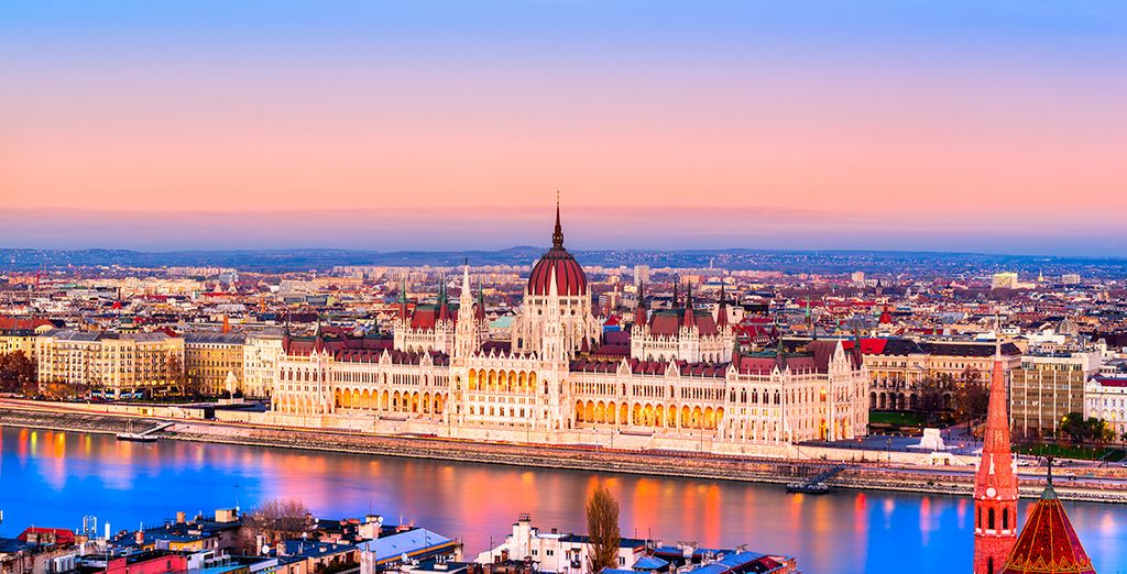 Hotels in Budapest, things to do, see, holidays to Budapes