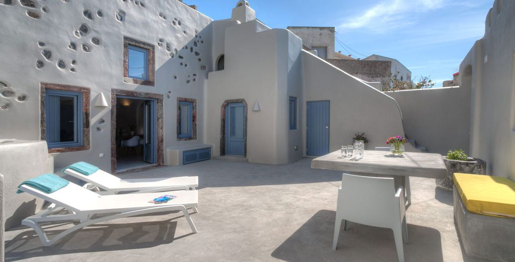 Weekend break offers in Santorini