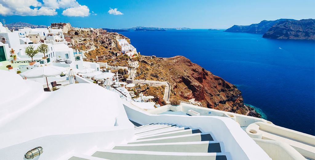 Weekend in the best Santorini Suites