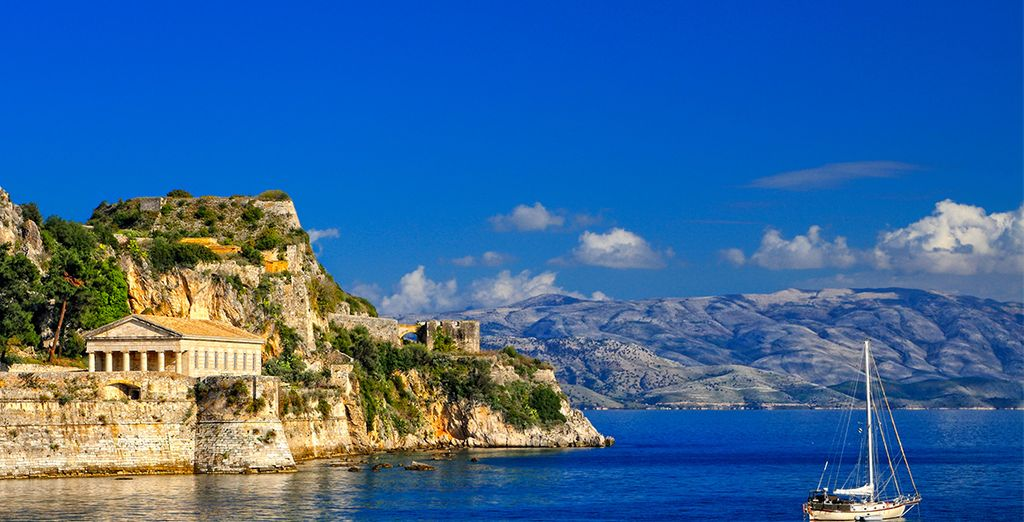 Go and discover Corfu Town