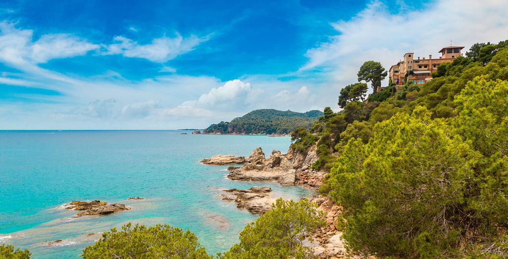 Beaches, sun and parties are waiting for you in Lloret de Mar*