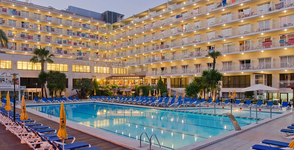 Hotel Oasis Park & Spa 4* - luxuryh hotel in Lloret de Mar