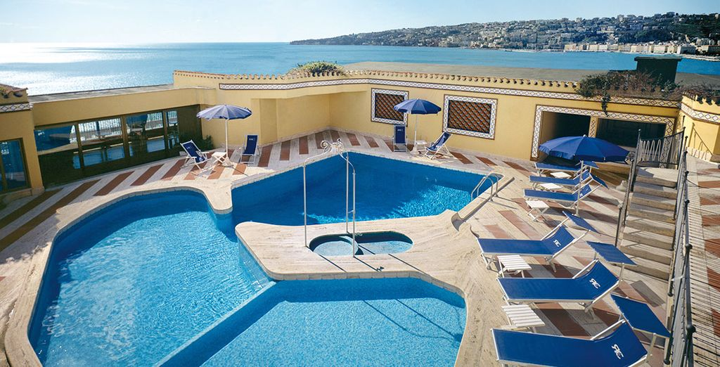 Royal Continental Hotel 4* - hotel with pool in Naples