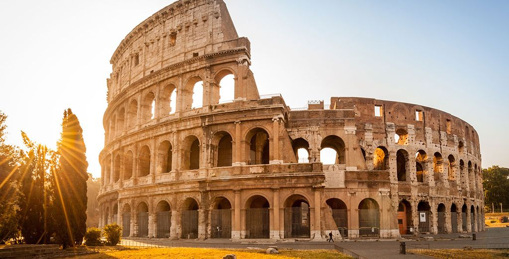 Discover Rome starting by the Colosseum