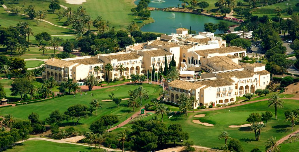 Nestled in extensive green grounds - Hotel La Manga Club Principe Felipe 5* Murcia