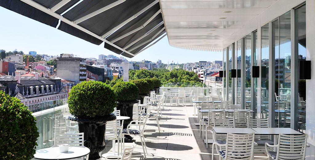 You can enjoy wonderful views from the terrace in the warmer months - Altis Avenida 5* Lisbon