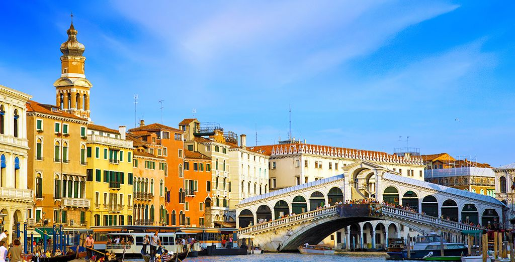 Situated across the road from the Venice Mestre Railway - making exploring Venice easy!