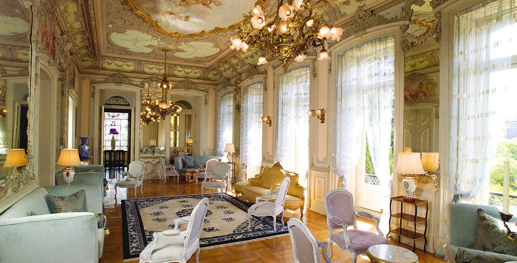 5-Star Palatial Splendour