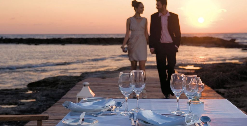Or choose private pier dining for the most romantic experience